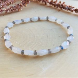 Moonstone Labradorite Stretch Beaded Bracelet
